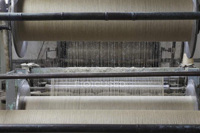 Tecidos para processamento de tear industrial, Nikologory, Rússia — Fotografia de Stock