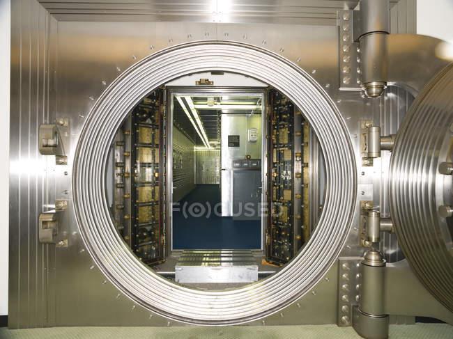 Banktresor in kommerziellen Gebäudeinnere, Chicago, Illinois, Usa — Stockfoto