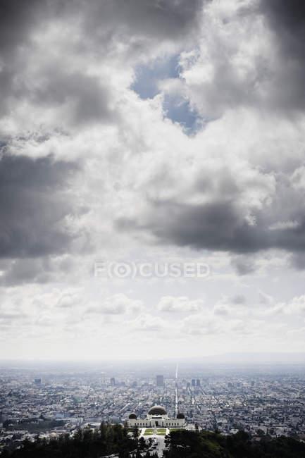 Los Angeles unter bewölktem Himmel, Kalifornien, Usa — Stockfoto