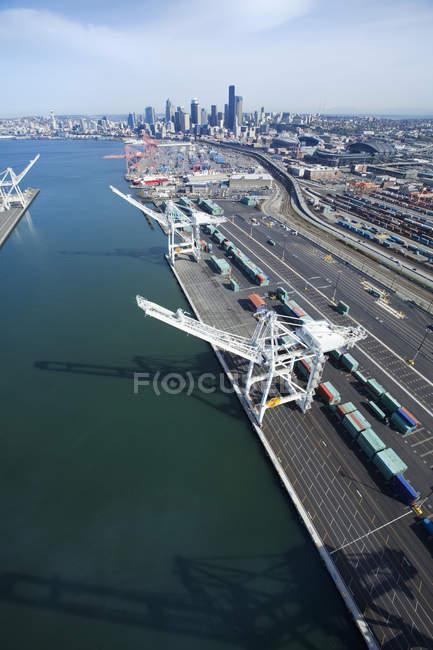 Gru nel porto di Seattle, Washington, USA — Foto stock