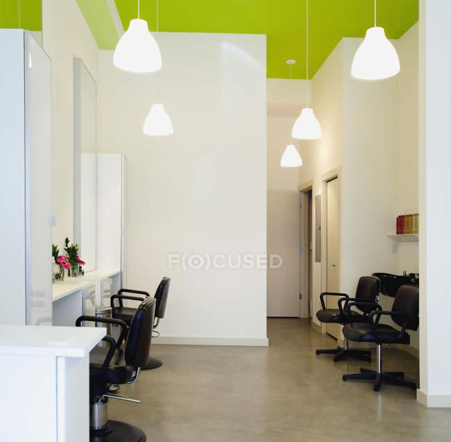 Modern hair salon in Seattle, Washington, USA — Stock Photo