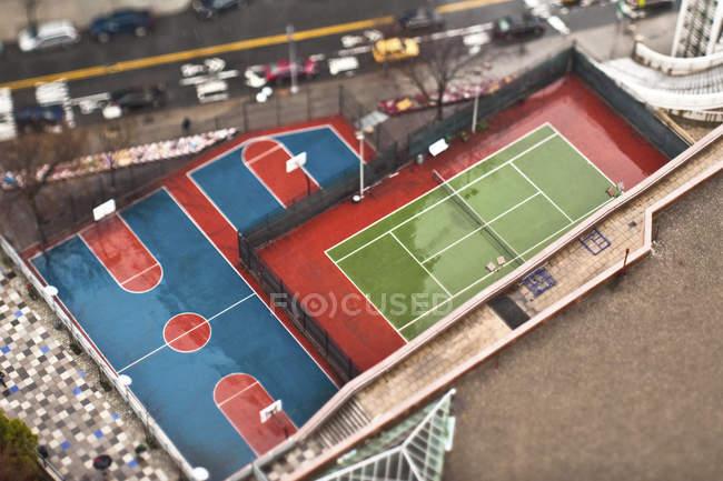 Quadras de basquete e tênis, Nova York, Nova York, EUA — Fotografia de Stock