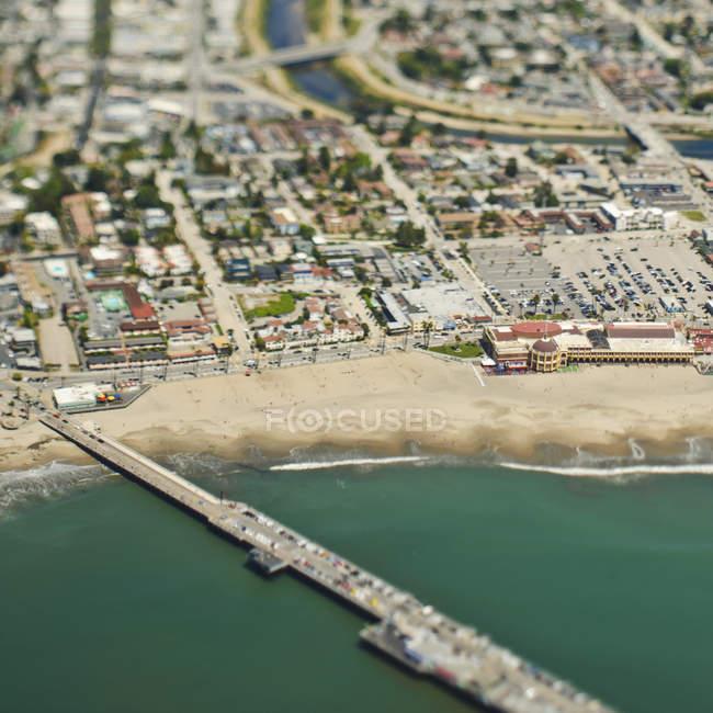 Coastal community and bridge in California, USA — Stock Photo