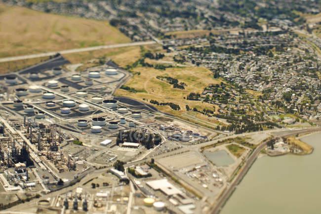 Industria costiera e comunità in California, USA — Foto stock