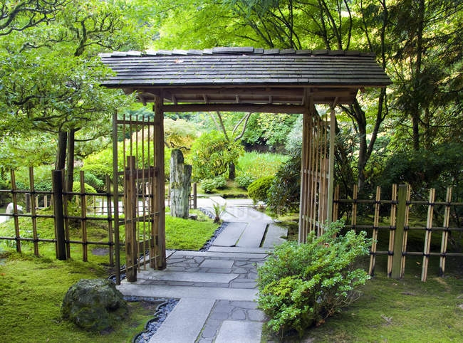 Japanese garden with wooden arbor in Portland, USA — Stock Photo