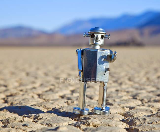 Brinque o robô no deserto do vale da morte em Califórnia, EUA — Fotografia de Stock