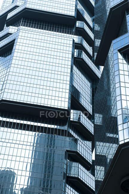 Detalle de rascacielos moderno en Hong Kong, China - foto de stock