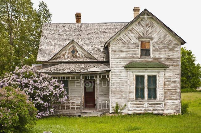 Покинутий заміський будинок у місті Бойсі, штат Айдахо, США — стокове фото