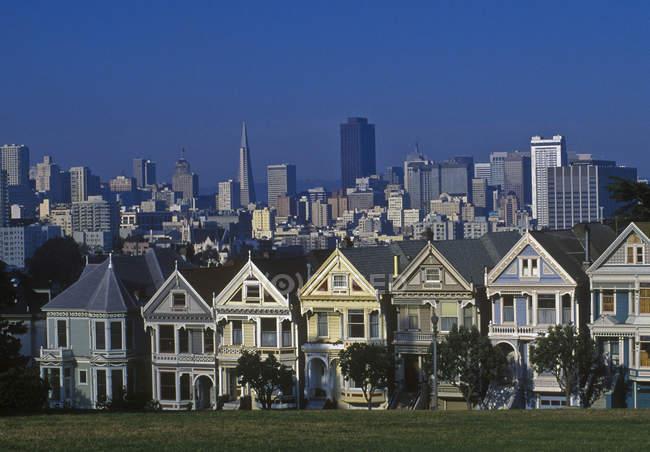 Victorian case a schiera in San Francisco, California, Stati Uniti d'America — Foto stock