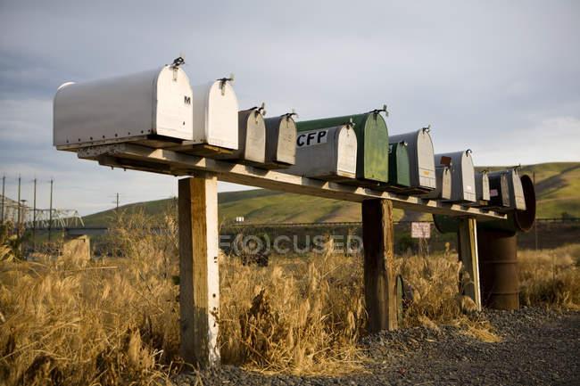 Fileira das caixas postais no campo de Palouse, Washington, EUA — Fotografia de Stock