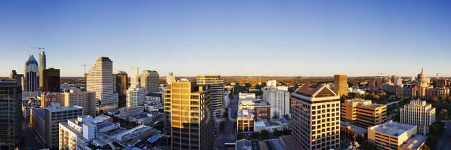 Skyline panoramico della città con grattacieli nel centro di Austin, USA — Foto stock