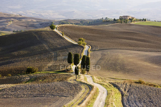 House in isolated landscape in Tuscany, Italy, Europe — Stock Photo
