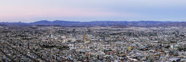 Skyline of Chihuahua from Cerro Coronel, Mexico — стокове фото