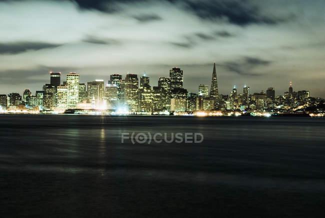 San Francisco skyline from Treasure Island, USA — Stock Photo