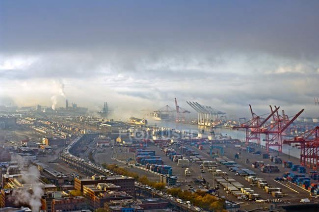 Вид з повітря комерційного дока, Сіетл, Вашингтон, США — стокове фото