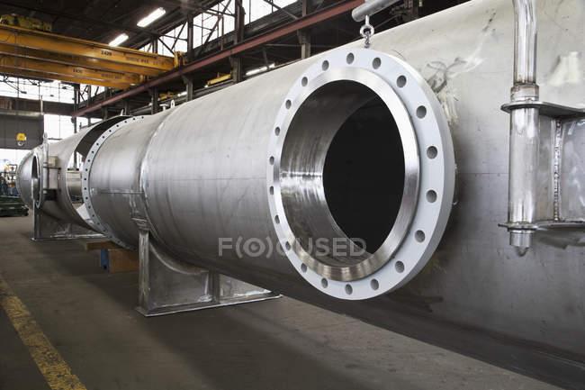 Крупний план відкриття в сталевій трубі в Сіетлі, штат Вашингтон, США — стокове фото