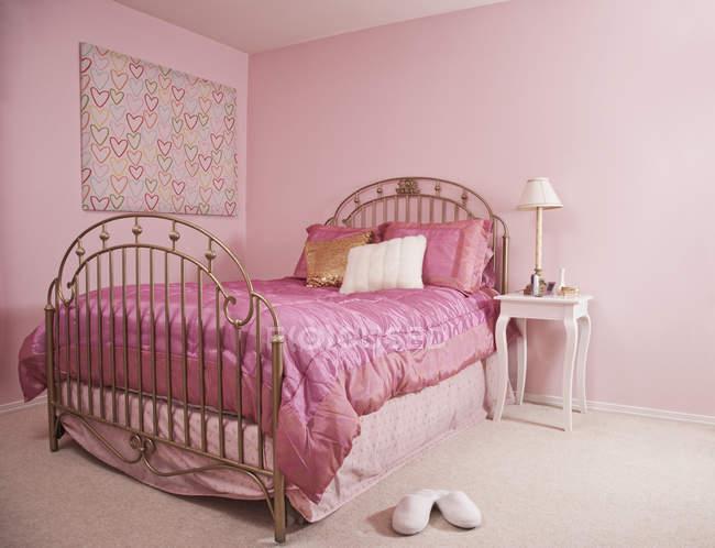 Interior cor-de-rosa do quarto em Seattle, Washington, EUA — Fotografia de Stock