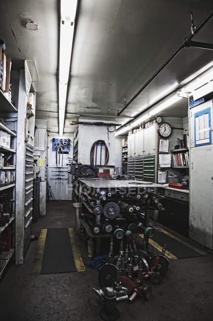 Pneumatic tools in machine shop in Seattle, Washington, USA — Fotografia de Stock