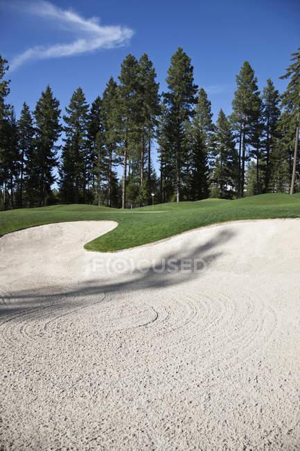 Piège de sable au terrain de golf rural — Photo de stock