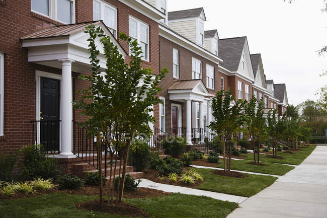 Row of new town houses in Norfolk, Virginia, USA — Stock Photo
