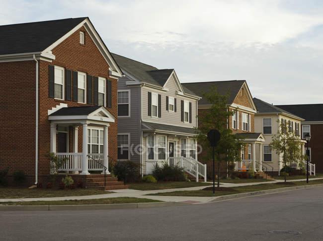 Околиці будинки на вулиці Розі, Норфолку, Вірджинія, США — стокове фото