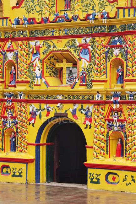 Colorful facade of church of San Andres Xecul, Guatemala — Stock Photo
