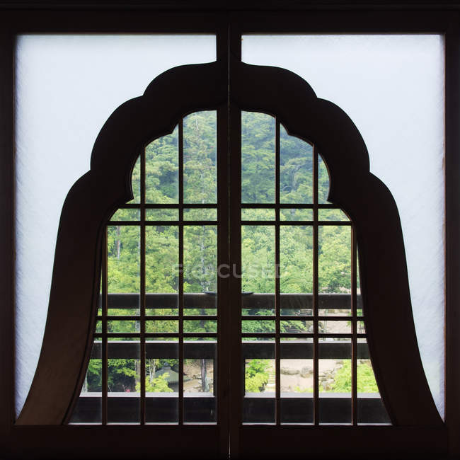 Wooden window in Shinto temple, Miyajima Island, Japan — стокове фото