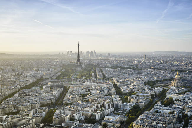 Aerial view of Paris cityscape and eiffel tower, France — Foto stock