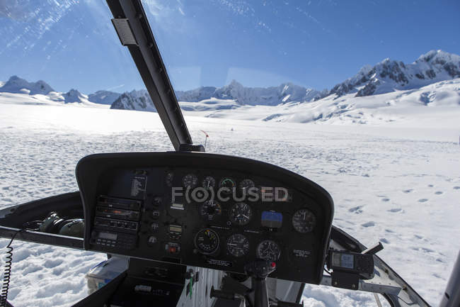 Cabin view from helicopter landing on Fox Glacier, New Zealand — Stockfoto