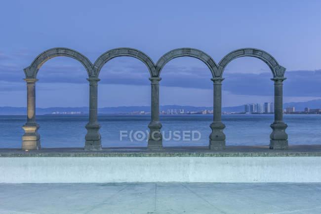 Stone arches overlooking ocean, Puerto Vallarta, Jalisco, Mexico — стокове фото