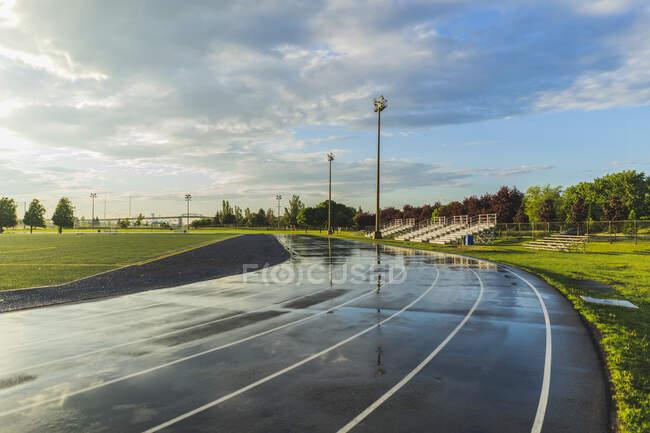 Alvejantes úmidos e pista de corrida — Fotografia de Stock