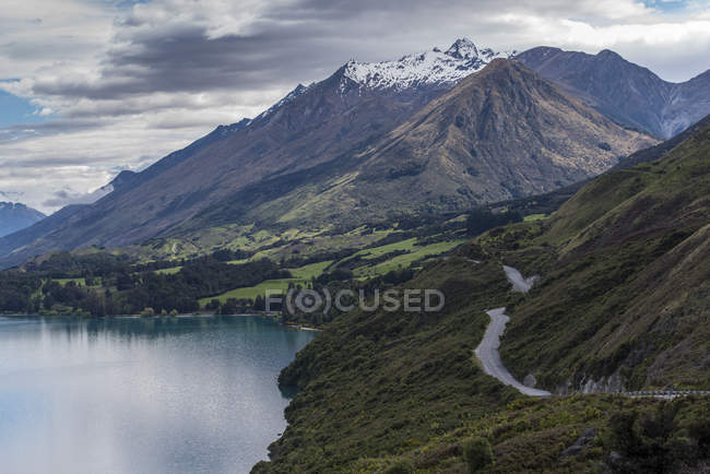 Aerial view of mountains and lake Wanaka, New Zealand — Stock Photo