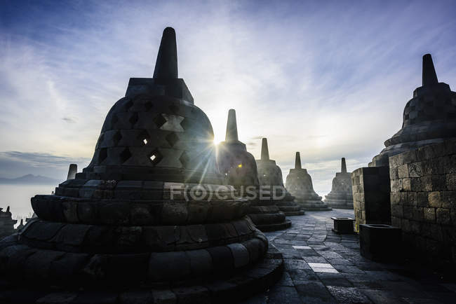 Пам'ятники в Боробудур, Джава-Тенах, Індонезія — стокове фото