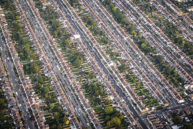 Vista aérea de ruas e casas em Londres, Inglaterra — Fotografia de Stock