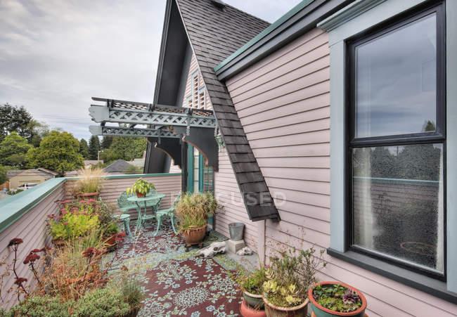 Plantes en pot sur le patio à Snohomish, Washington, États-Unis — Photo de stock