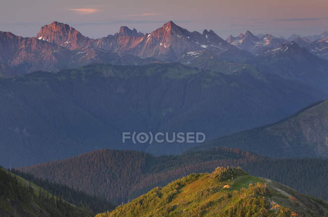 Scenery of rocky mountains, North Cascades, Washington, United States — Stock Photo