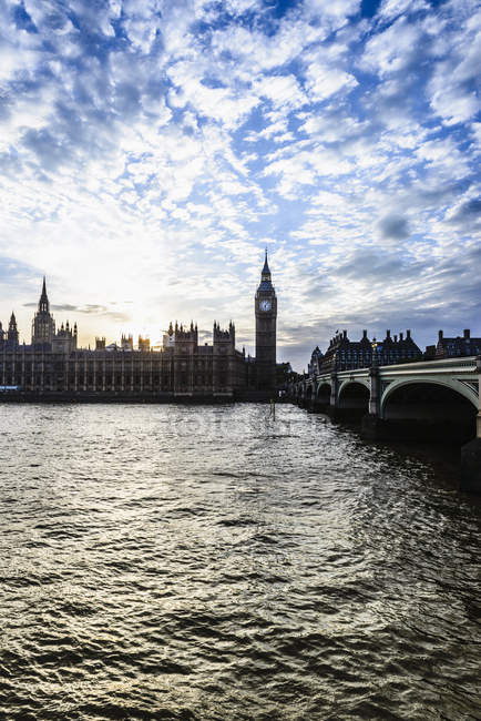 Sunset over Houses of Parliament, Londres, Inglaterra, Reino Unido — Fotografia de Stock