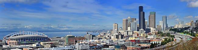 Панорама міського горизонту Сіетлі, штат Вашингтон, США — стокове фото