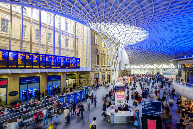 Modern architecture at Kings Cross train station in London, England, UK - foto de stock