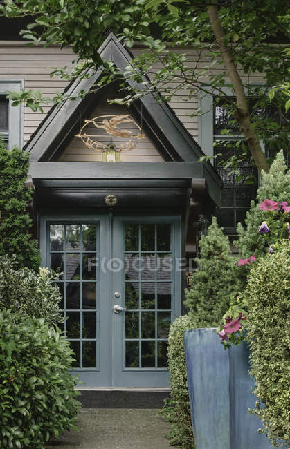 Torbogen über Haustür in Snohomish, Washington, USA — Stockfoto
