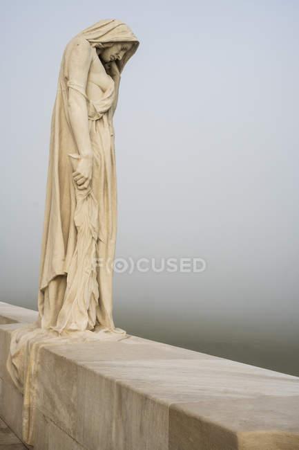 Mutter-Kanada-Statue am kanadischen Weltkriegsdenkmal, vimy ridge nationale historische Stätte von Kanada, pas-de-calais, franz. — Stockfoto
