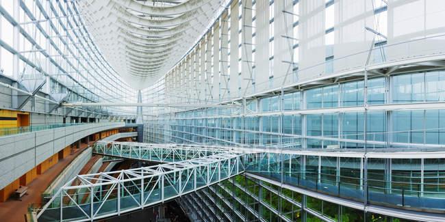 Tokyo internationales forum gebäude moderne einrichtung, tokyo, japan — Stockfoto