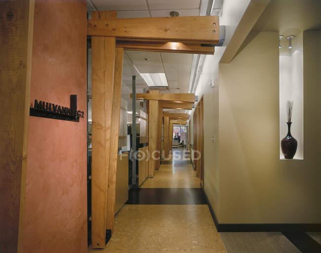 Long narrow corridor in a building — Stock Photo