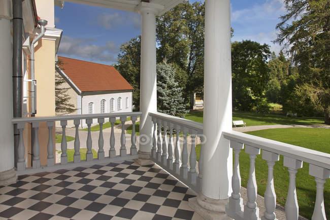 У шаховому дворику Відхула садиби, Віхула, Естонія — стокове фото