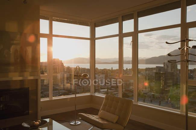 Condo apartment with open floor plan, Vancouver, British Columbia, Canada — Stock Photo