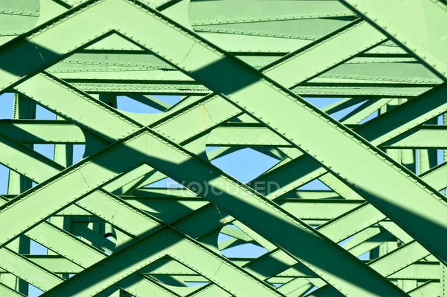Green metal structure, Oregon, United States — Stock Photo