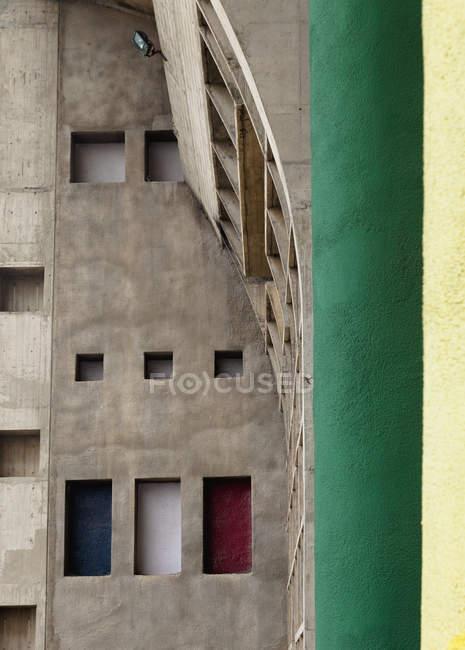 Immeuble en pierre avec appartement extérieur, Chandigarh, Punjab, Inde — Photo de stock