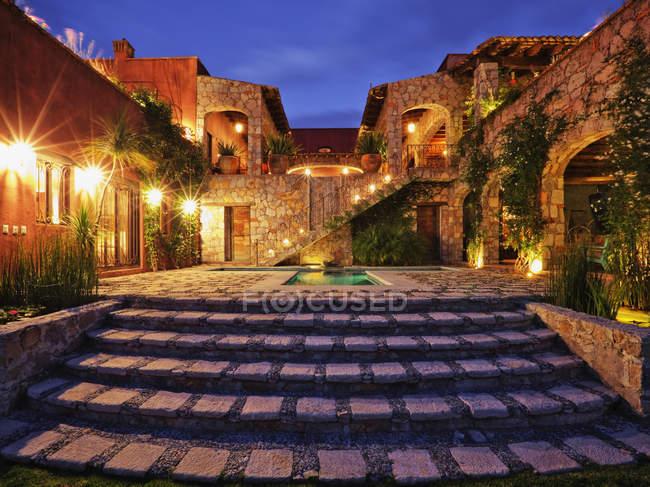 Mexican ranch house, San Miguel de Allende, Guanajuato, Mexico — стокове фото