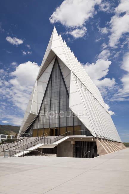 ВПС США академії кадетської каплиця будівництво екстер'єр в Колорадо-Спрінгс, штат Колорадо, США — стокове фото