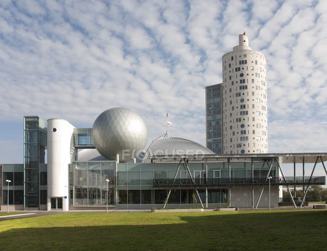 Modern science center building and Tigutorn Tower in Tartu, Estonia, Europe — Foto stock